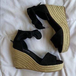 NIB Design Lab Black Espadrille Wedge Sandal